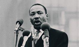 """Donald Trump se défend d'être """"raciste"""", sur fond de célébration de Martin Luther King"""