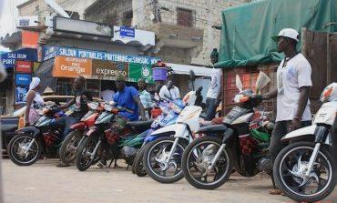 Deux morts après une collision entre une moto Jakarta et un camion