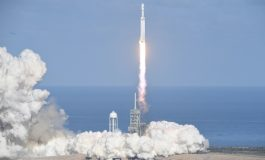 Premier vol historique de Falcon Heavy, la fusée la plus puissante du monde