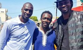 En tournage à Dakar, Oumar Sy remercie le public sénégalais pour son soutien