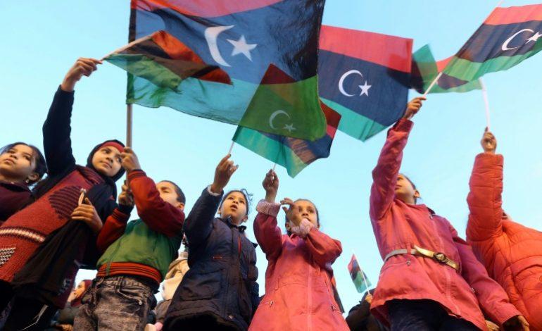Des milliers de Libyens célèbrent l'anniversaire de «leur» révolution