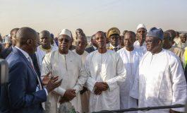 Macky Sall inaugure la route Waly Ndiaye-Fatick-Sokone