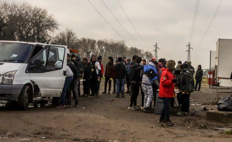 Plusieurs associations d'aide aux migrants dénoncent les «violences policières excessives» envers les bénévoles en France