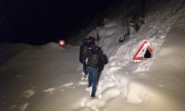 Les chemins montagneux à 1700 m: les nouvelles voies empruntées par les migrants africains pour rejoindre l'Italie et la France