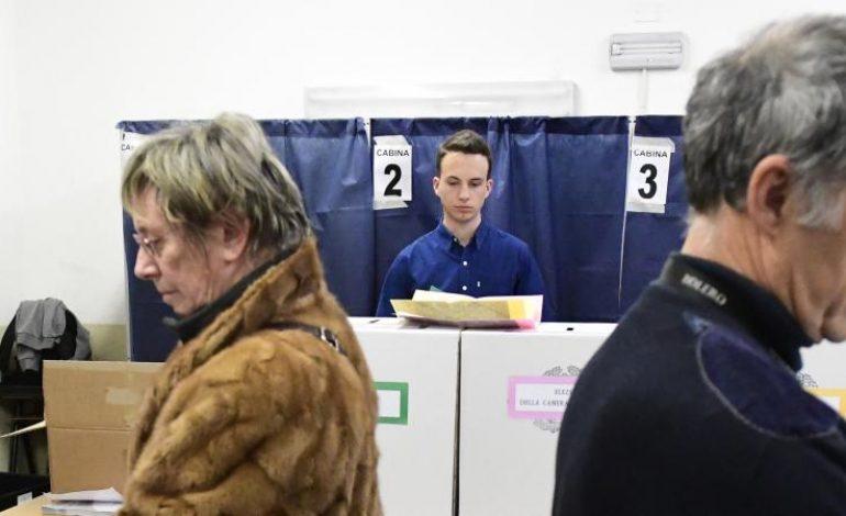 Incertitude après un raz-de-marée des forces anti-système après les élections législatives en Italie