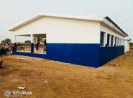 Magic System offre une maternité au village de Loulo à la frontière avec le Mali
