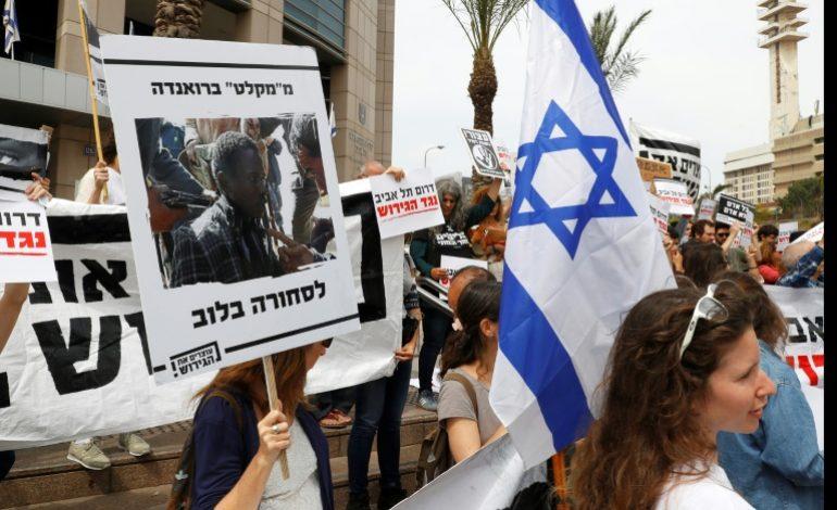 L'Ouganda «envisage» d'accueillir des migrants africains en situation irrégulière en Israël