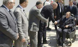 """Des politiques et des intellectuels appellent Abdelaziz Bouteflika à """"renoncer"""" à un 5e mandat"""