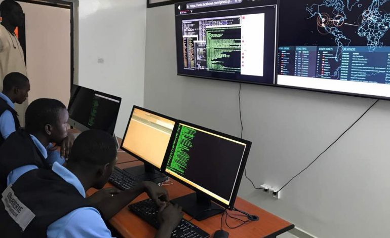 Les cyber patrouilleurs de la Section de Recherches de Colobane à l'assaut des arnaqueurs du web