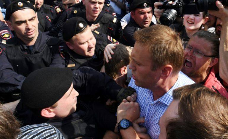 L'opposant Alexeï Navalny arrêté lors d'une manifestation anti-Poutine