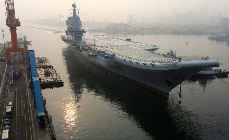 Le 1er porte-avions construit par la Chine entame ses essais en mer