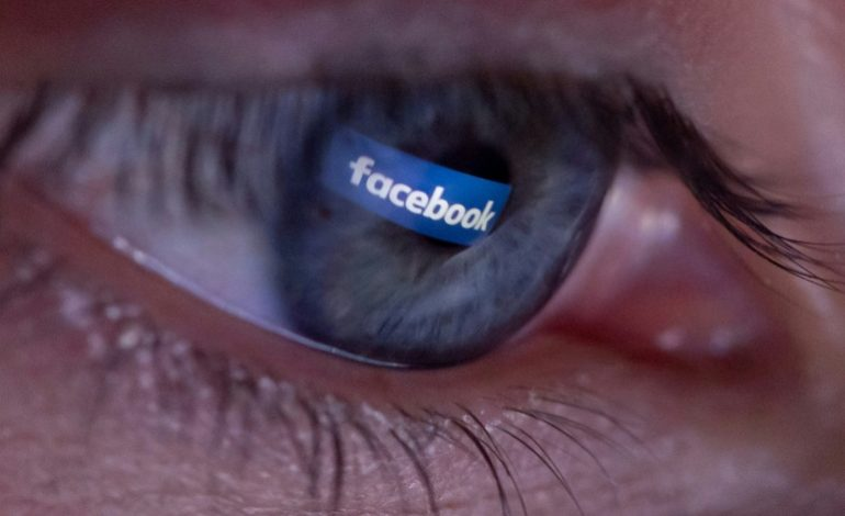 Sur les pages Facebook des grands médias français, un commentaire sur dix est haineux selon l'étude de Netino