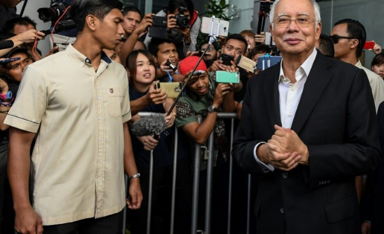 Près de 30 millions de dollars saisis chez l'ex-Premier ministre malaisien Najib Razac