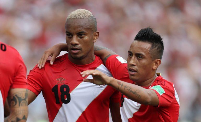 Le Pérou termine sur une bonne en venant à bout de l'Australie 2-0