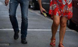 Prendre des photos sous les jupes des femmes sera bientôt interdit au Royaume-Uni
