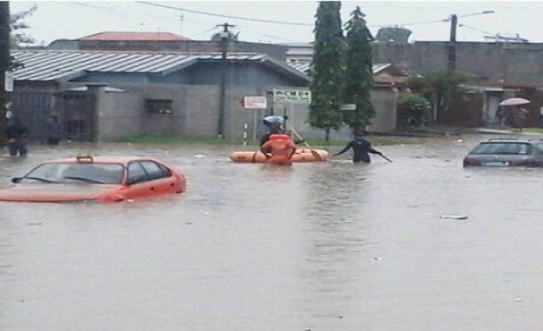 Plus de 15 morts à Abidjan après des pluies torrentielles