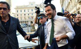 Indignation en Italie après la décision de Matteo Salvini d'évacuer des migrants du village de Riace
