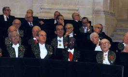 """1983 : Senghor, un """"Blanc peint en noir"""" à l'Académie française ?"""