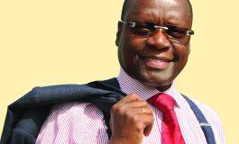 Pierre Goudiaby Atepa officialise sa candidature à l'élection présidentielle