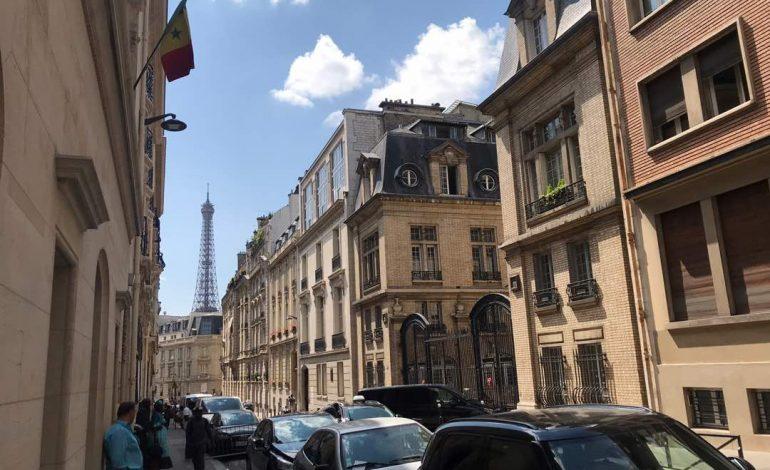 Scènes de vie ordinaire au Consulat du Sénégal à Paris