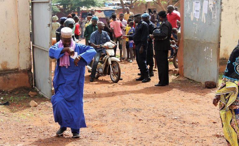 Fin du vote et dépouillement des bulletins à l'élection présidentielle au Mali