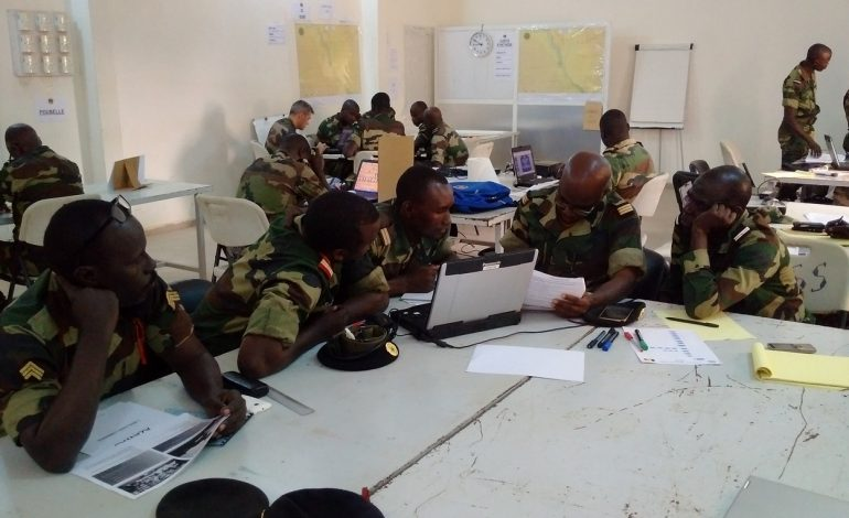 Les Eléments Français au Sénégal forment un bataillon sénégalais avant qu'ils ne rejoignent la MINUSMA