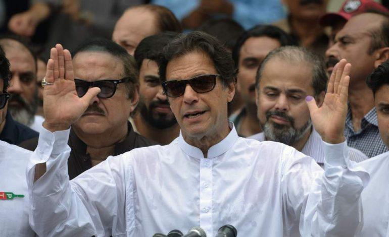 L'ex champion de cricket Imran Khan, vainqueur des élections législatives au Pakistan