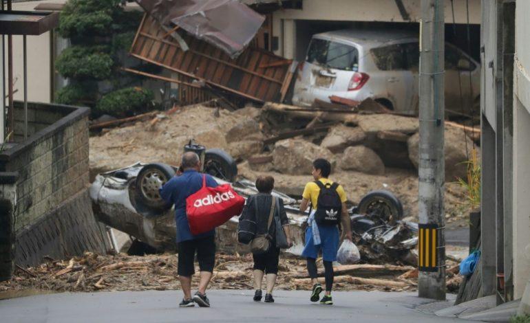 Au moins 100 morts lors des fortes pluies au Japon, les opérations de secours très difficiles