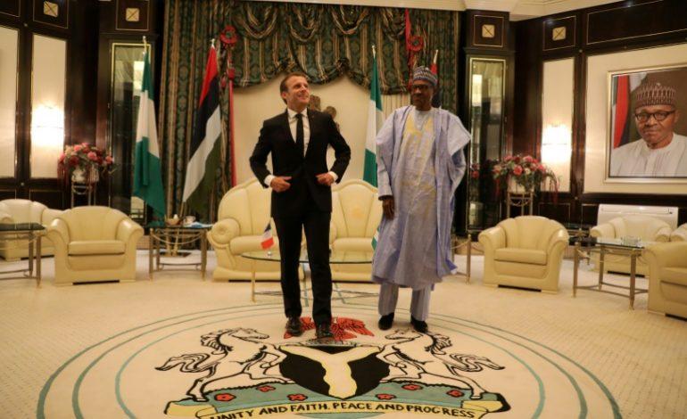 Le président Emmanuel Macron en visite au Nigeria