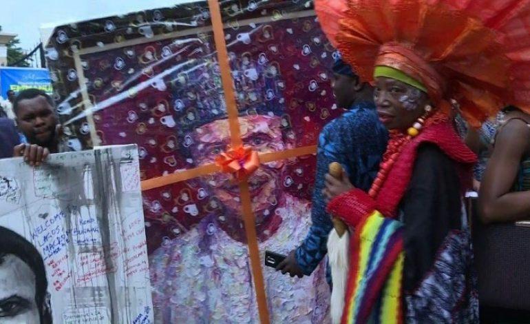 Au rythme de l'afrobeat, Emmanuel Macron célèbre la créativité africaine
