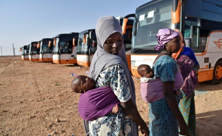 Critiquée, l'Algérie met en avant son traitement décent de migrants expulsés