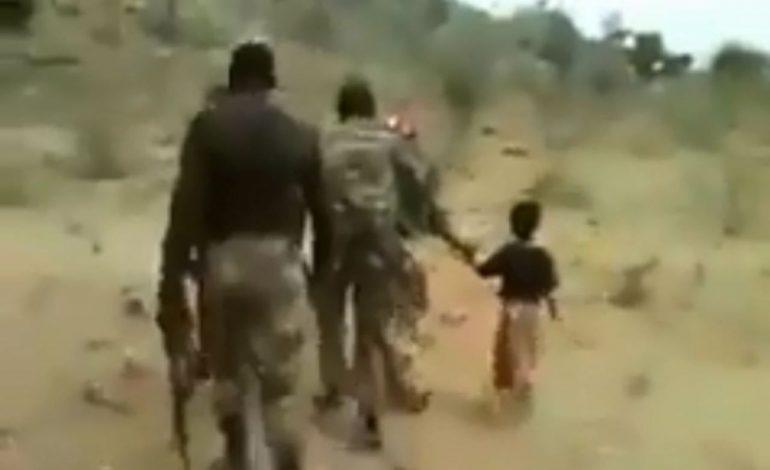 Arrestation de 4 soldats impliqués dans l'exécution sommaire de 2 femmes et leurs enfants au Cameroun