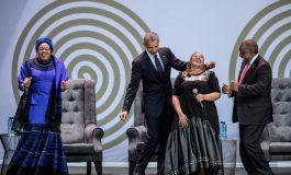 """Cent après la naissance de Nelson Mandela, l'Afrique du Sud rend hommage à un """"géant de l'Histoire"""""""