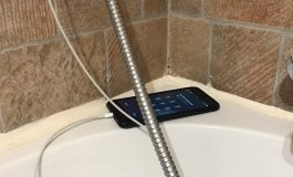 il meurt dans son bain, son téléphone portable à proximité