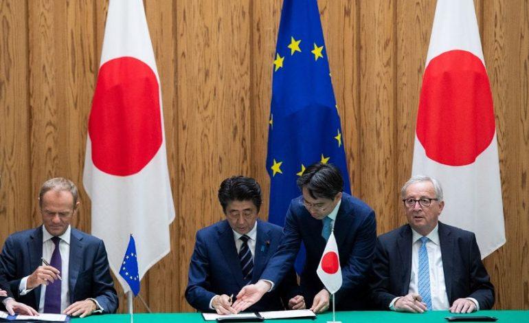 Dans un «message» à Donald Trump, l'Union Européenne et le Japon signent un vaste accord commercial