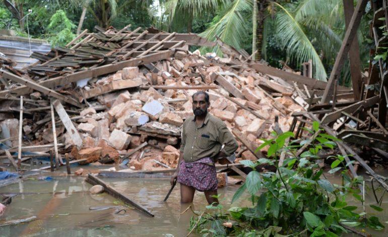 Le bilan des inondations au Kerala en Inde bondit à 324 morts