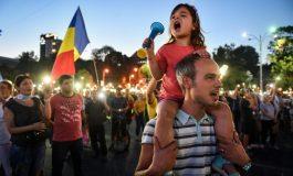 Des milliers de Roumains à nouveau dans la rue contre le gouvernement