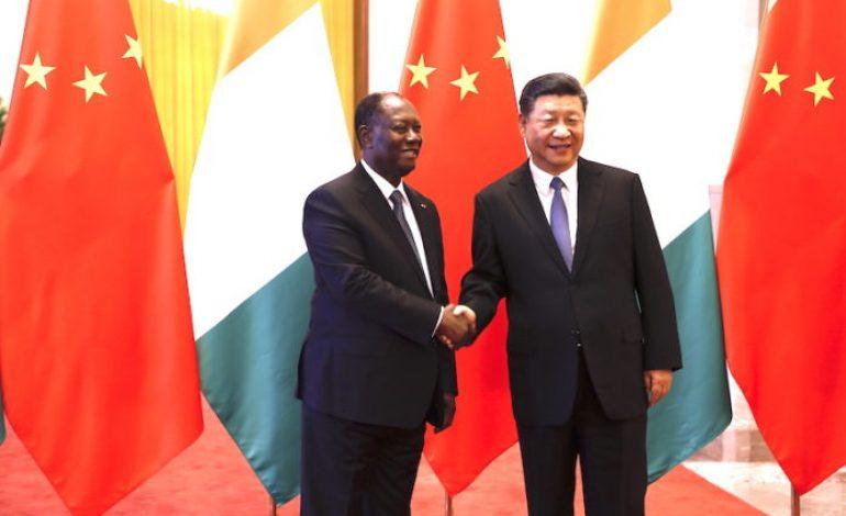 Entretien en tête-à-tête entre Alassane Ouattara et Xi Jinping au Palais du peuple à Beijing