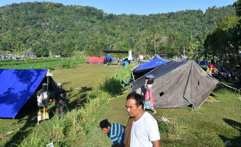 Le bilan du séisme en Indonésie monte à 131 morts et plus de 156.000 déplacés