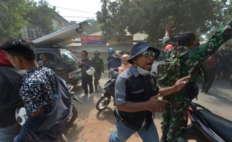 Le séisme en Indonésie a fait 319 morts à Lombok, secouée par une violente réplique