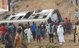 """Un car de transport en commun """"Tata"""" fait une chute du pont de la Patte d'Oie"""