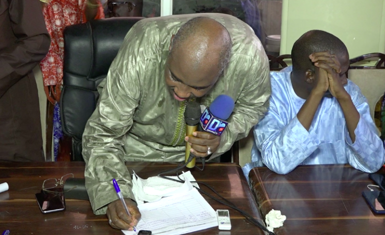 Farba Ngom sur le parrainage: tout candidat n'ayant pu recueillir 20.000 signatures devrait être emprisonné