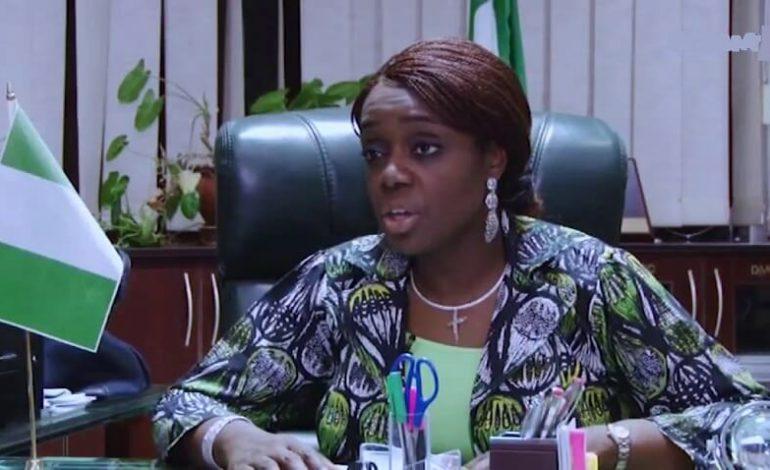 Démission de la ministre des Finances du Nigeria, Kemi Adeosun, accusée d'usage de faux