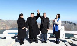 Kim Jong Un et Moon Jae-in montrent leur unité au mont Paektu