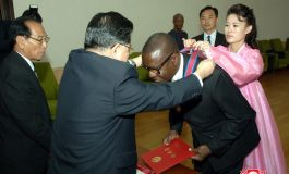 Pierre Goudiaby Atepa Docteur Honoris Causa de l'Université de Pyongyang