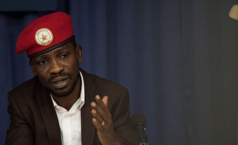 L'opposant Ougandais, Bobi Wine emmené par des policiers dès son retour, selon son épouse