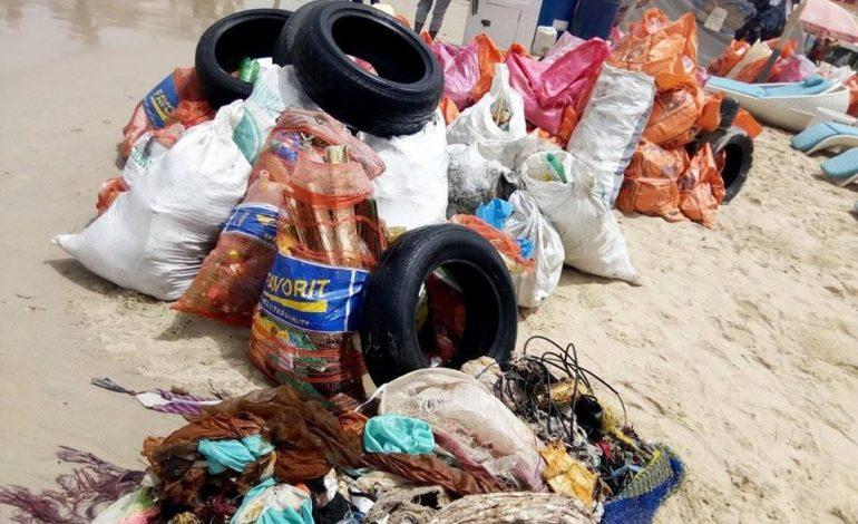 4,5 tonnes de déchets retirés de la plage de Ngor