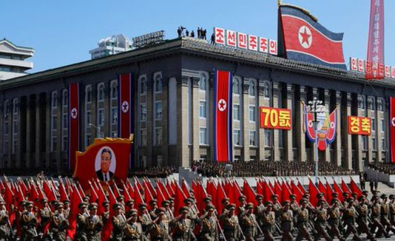 Une parade militaire géante pour le 70e anniversaire de la Corée du Nord