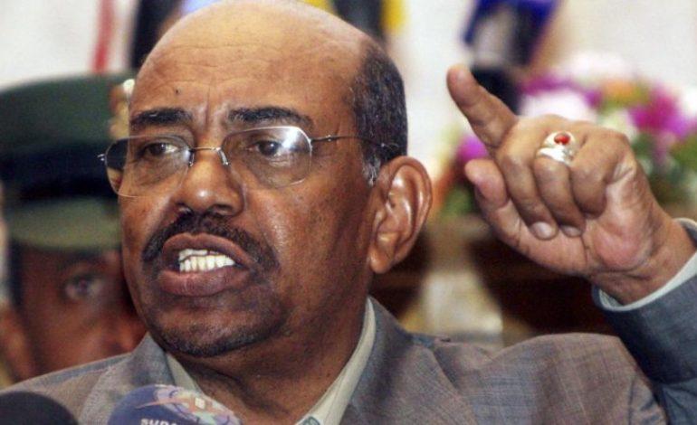Omar El-Béchir limoge son gouvernement et nomme un Premier ministre