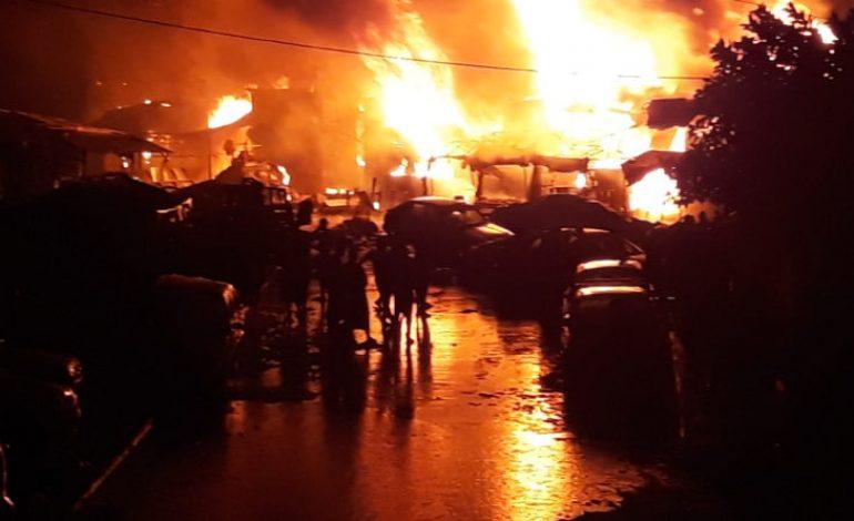 Plus de 400 cantines et des millions de FCFA de pertes après l'incendie de Petersen à Dakar